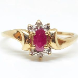 10k Yellow Gold Vintage Ruby & Diamond Halo Ring